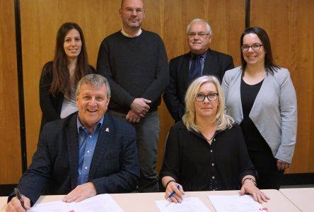 Signature d'une convention collective à la MRC de La Nouvelle-Beauce